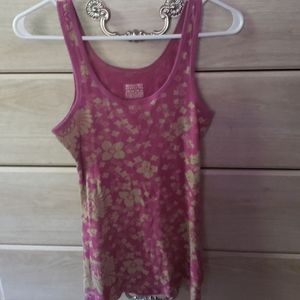 Beautiful flowered tank top